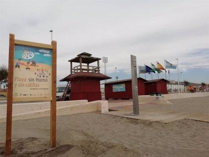 """La playa de Santa Bárbara de La Línea (Cádiz), primera de la comarca del Campo de Gibraltar """"libre de humo"""""""