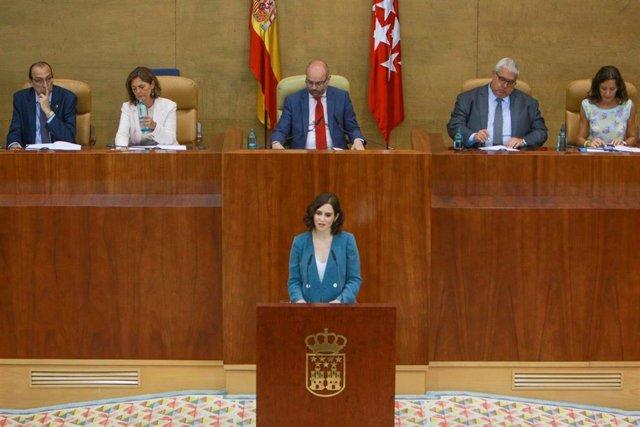 La candidata del PP a la Presidencia de la Comunidad, Isabel Díaz Ayuso, durante su intervención en la primera sesión del segundo pleno de su investidura presidida por Juan Trinidad.
