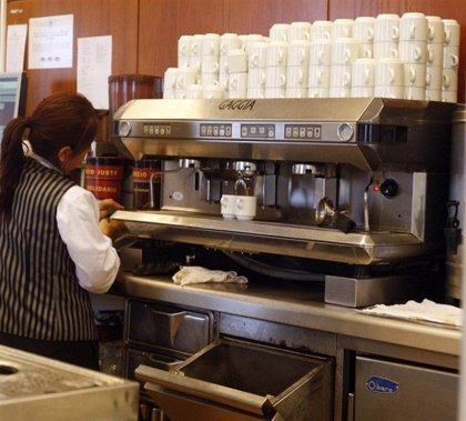 El sector servicios modera el crecimiento de su facturación al 2,2% en junio