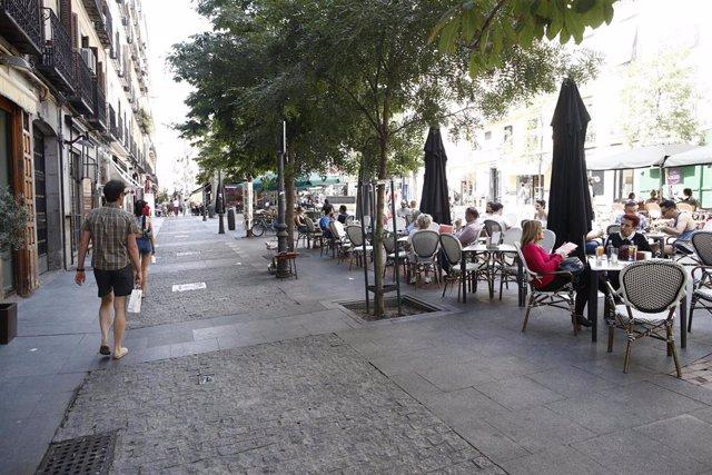 Imagen de recurso de bares y terrazas en la Plaza de Chueca en Madrid.