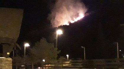Investigan si una bengala pudo originar el incendio en Sierra Nevada (Granada)