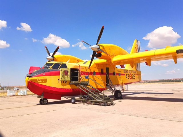Avión anfibio modelo Canadair para combatir incendios forestales
