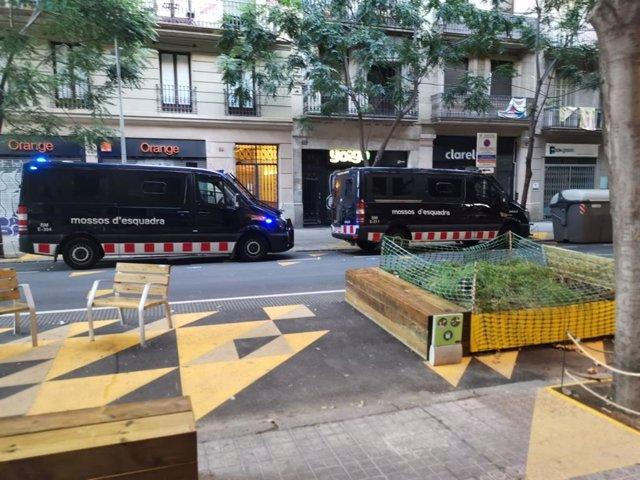 Operativo antidroga en los barrios de Sants y Sant Antoni de Barcelona