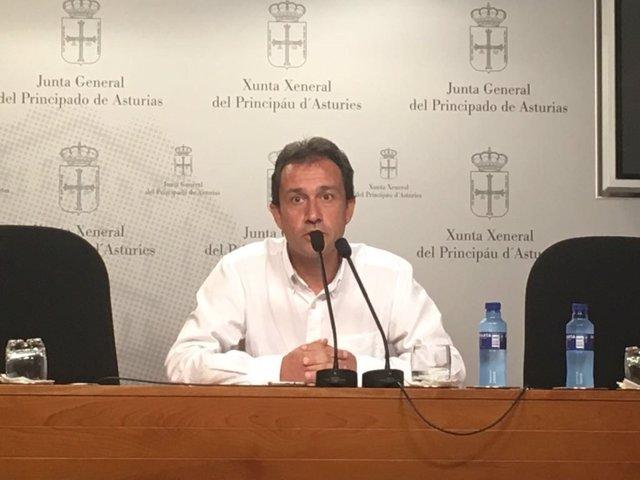 El diputado de IU Asturias, Ovidio Zapico.