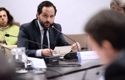 El diputado del PP Diego San Juan Benito consigue llegar finalmente al Pleno de investidura de Ayuso