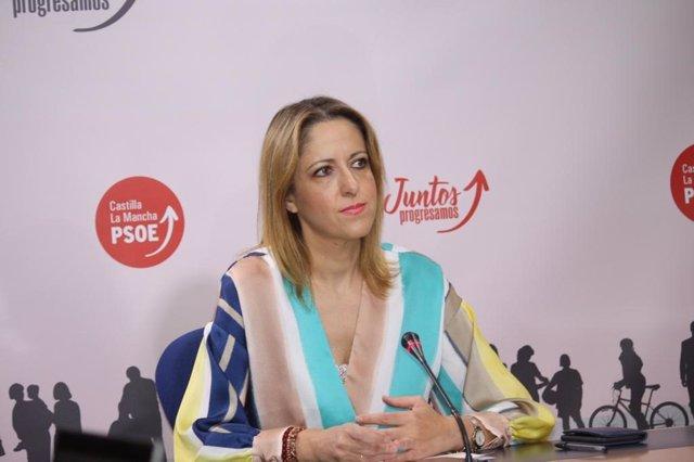 La responsable del PSOE en C-LM Cristina Maestre en rueda de prensa