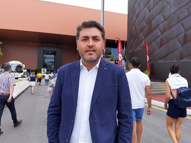 El eurodiputado asturiano por el PSOE, Jonás Fernández, después de participar en el Día de Europa en la Fidma
