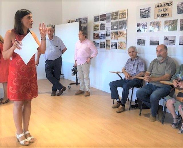 La alcaldesa de Santander, Gema Igual, presenta a representantes de las AAVV de Peñacastillo, Monte, Cueto y San Román la asistencia técnica sobre el IV Plan de Mejora de Viales en Barrios