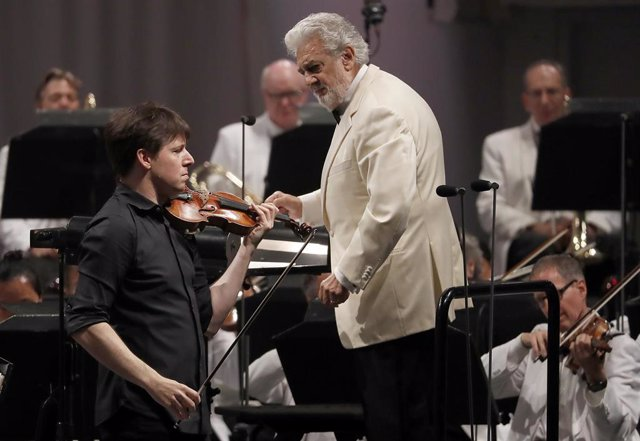 September 16, 2013 - Los Angeles, California, United States: Violinist Joshua Bell performs as Placido Domingo conducts music from Spain with the Los Angeles Philharmonic Orchestra at the Hollywood Bowl on Thursday night, Sept. 13, 2018. On August 13, 201