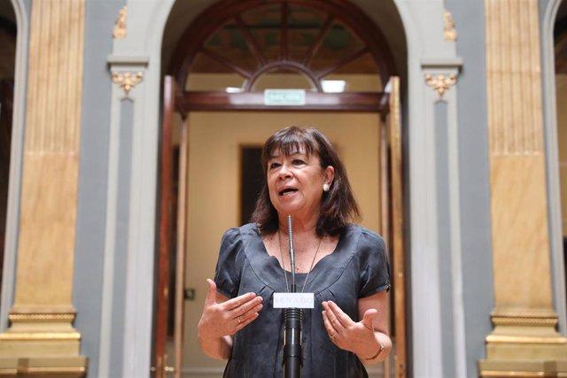 La presidenta del PSOE y vicepresidenta priemra del Senado, Cristina Narbona, en rueda de prensa