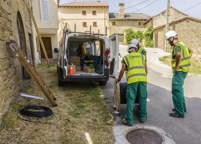 Instalanción de la infraestructura que permite que la banda ancha llegue a nuevas localidades de la provincia de Huesca.