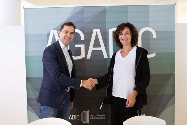 El director de Agadic, Jacobo Sutil, y la presidenta de Escena Galega, Belén Pichel