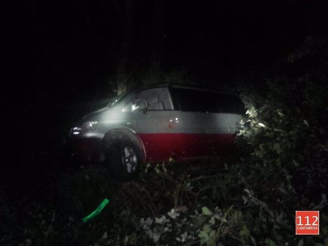 Furgoneta caída al río en Pesaguero