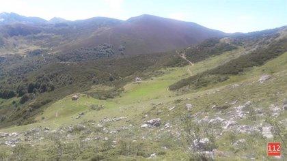 Rescatada en helicóptero una senderista ovetense con fractura de tibia y peroné en Picos