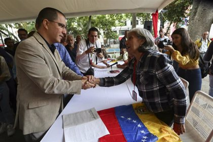 """Venezuela.- Arreaza aclara que el Gobierno solo se ha dado una """"pausa"""" en el diálogo con la oposición"""