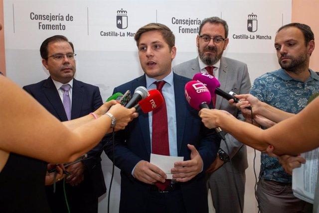 El consejero de Fomento, Nacho Hernando, en rueda de prensa
