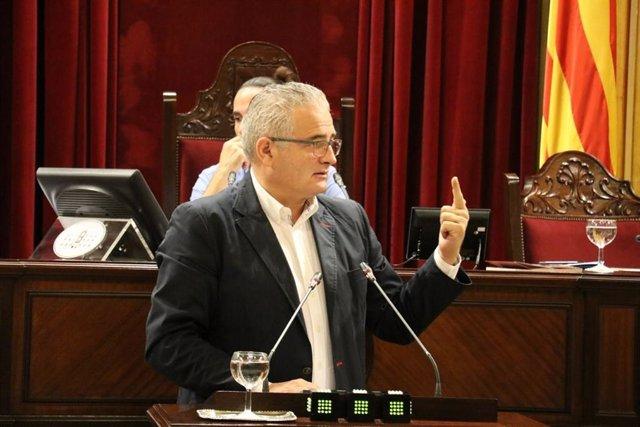 El diputado de El PI, Jaume Font, en el Parlament