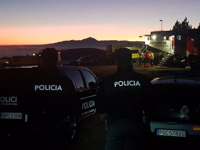 Policía canaria durante el incendio en la cumbre de Gran Canaria