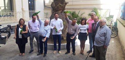 La Fiesta de la Sidra intentará batir el récord mundial de escanciado simultáneo 'a favor' de Apaci