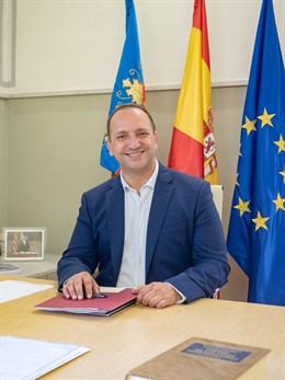 Rubén Martínez Dalmau en su despacho