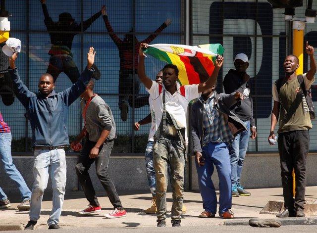 Manifestantes en Harare