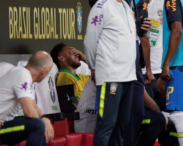 Neymar lamenta su lesión en el amistoso contra Catar que le deja sin Copa América