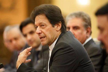 "Pakistán dice que las ""tácticas fascistas"" de India en Cachemira ""fracasarán de forma miserable"""