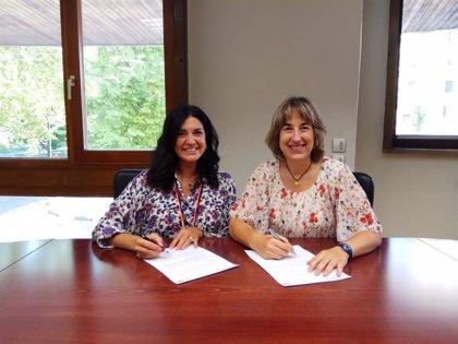 El Colegio de Gestores Administrativos de Navarra ya puede imprimir permisos internacionales de conducción