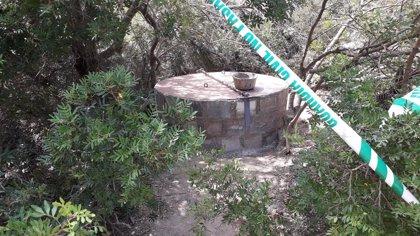 Segellen a Sant Antoni (Eivissa) dos pous per risc per a les persones