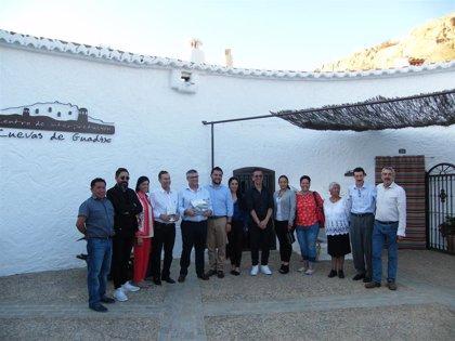 Representantes de dos municipios mexicanos se interesan por el patrimonio y las cuevas de Guadix