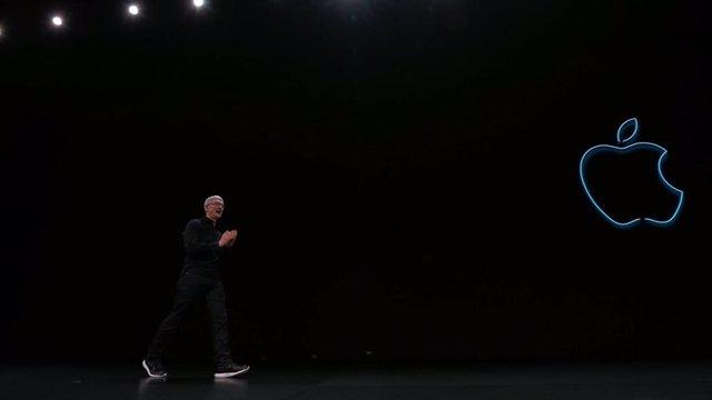 Tim Cook, CEO de Apple, presenta en WWDC 2019 el nuevo iOS 13