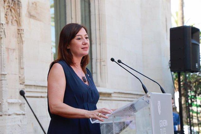 La presidenta del Govern, Francina Armengol, durant la seva intervenció a la presa de possessió dels consellers.