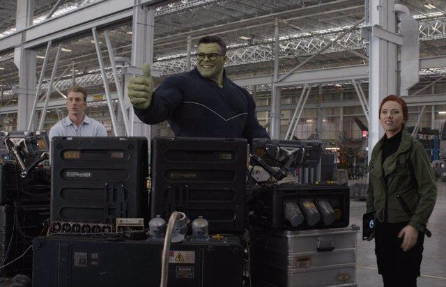 Hulk y Viuda Negra en Vengadores: Endgame