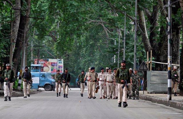 Despliegue de las fuerzas de seguridad indias en Srinagar, Cachemira