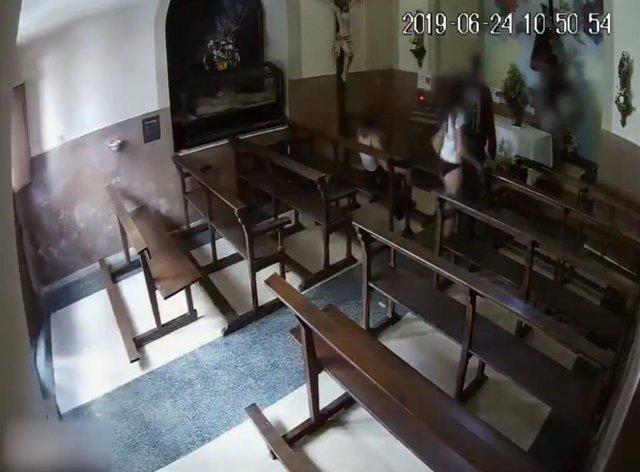 Recuperan el Cristo de madera robado en Berga (Barcelona)