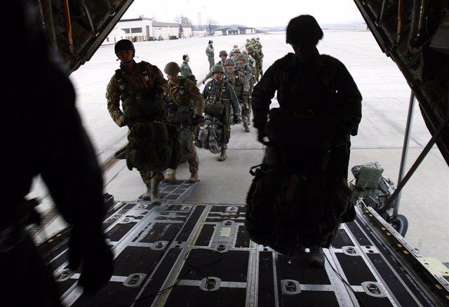 Militares estadounidenses en la base aérea de Ramstein (Alemania)
