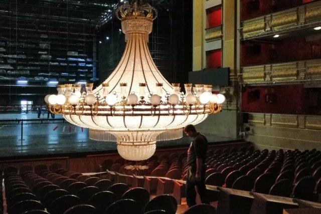 El Teatro Real hace en agosto 'la gran parada' con trabajos de mantenimiento y r