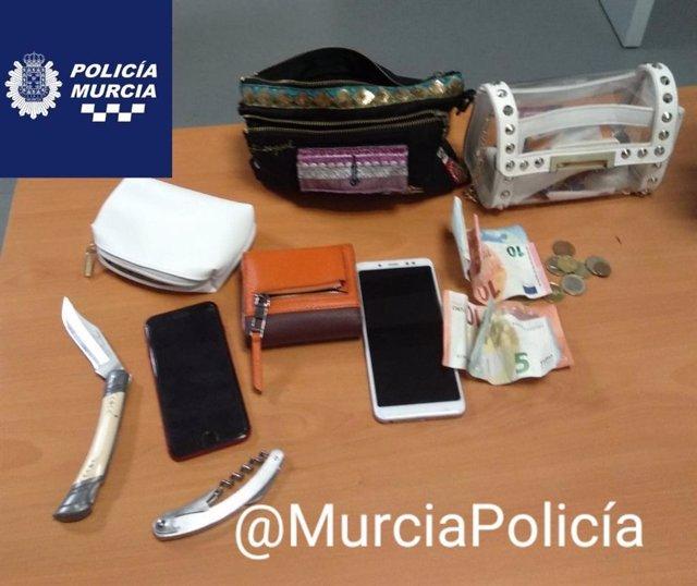 Las pertenencias robadas y posteriormente recuperadas por los agentes.