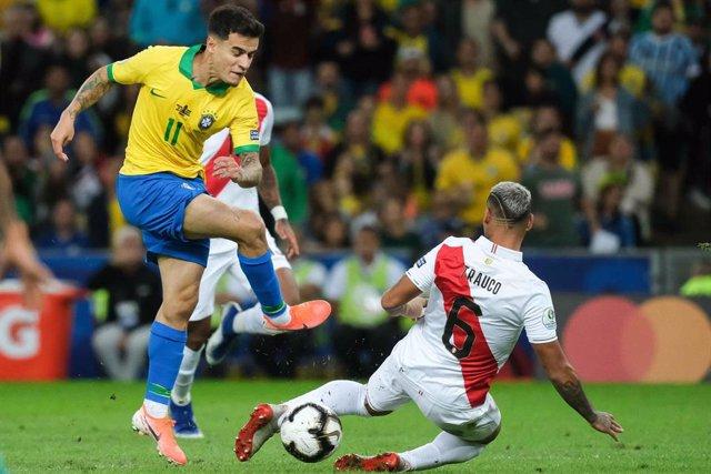Philippe Coutinho, en un partido con la selección brasileña.