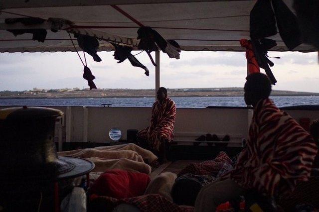 Barco de la ONG Open Arms