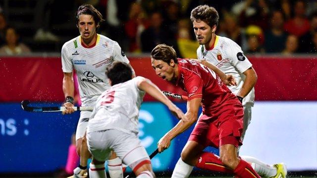 Sergi Enrique, con la selección española, en el Campeonato de Europa de hockey hierba.