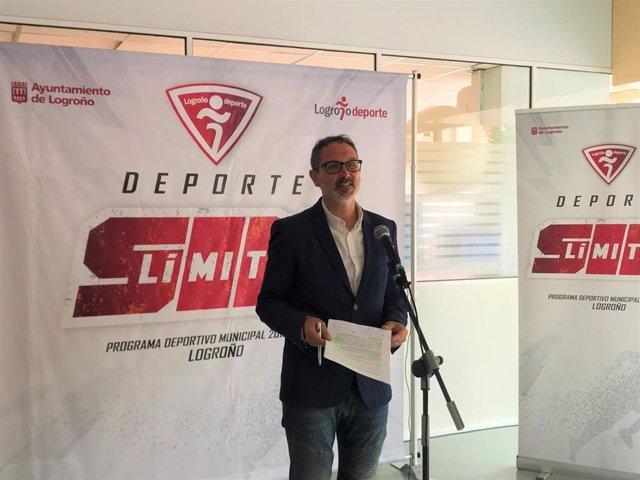 El concejal de Deportes, Rubén Antoñanzas, en rueda de prensa esta mañana