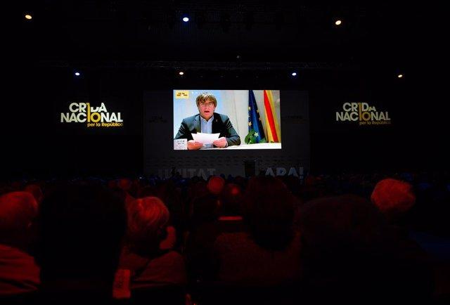 Carles Puigdemont en la clausura del congreso de la Crida Nacional per la República