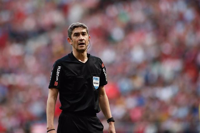 Undiano Mallenco, referee of the match, waiting for VAR during the spanish league, La Liga, football match played between Atletico de Madrid and Villarreal CF at Wanda Metropolitano Stadium, Madrid, Spain. February 24th 2019.