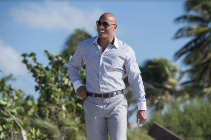 Dwayne Johnson se casa en secreto en Hawái