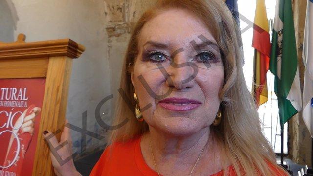 Gloria Mohedano en la presentación de la Semana Cultural de Rocío Jurado