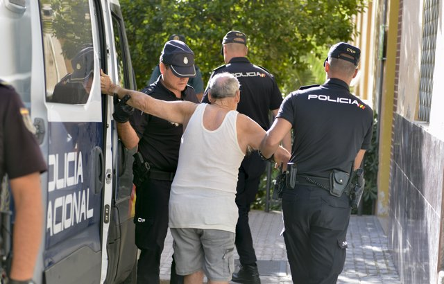Concentración por el asesinato de la vecina de Jaén presuntamente a manos de su marido.