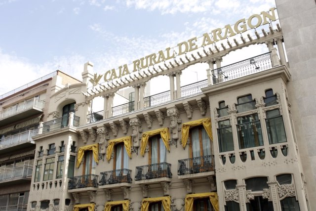 Sede de Caja Rural de Aragón en Zaragoza.