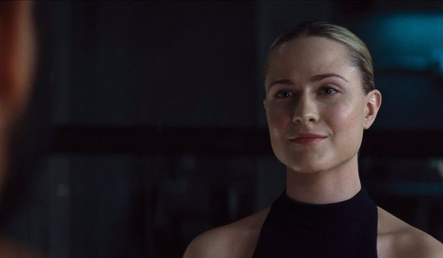 Evan Rachel Wood como Dolores en Westworld