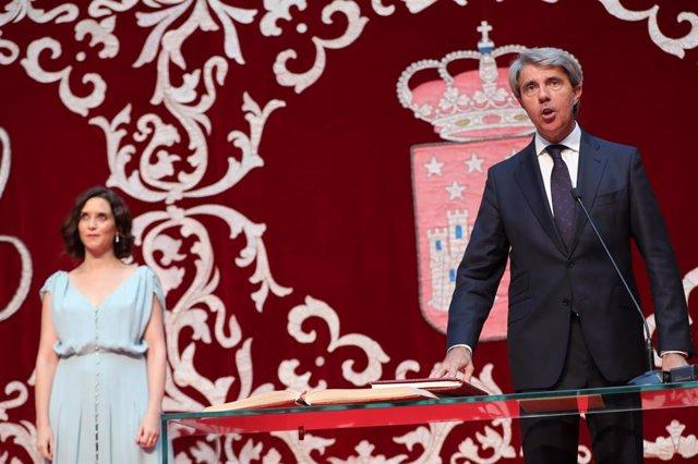 El expresidente de la Comunidad de Madrid y actual diputado de Ciudadanos, Ángel Garrido, jura el cargo como consejero de Transportes e Infraestructuras de la Comunidad de Madrid.